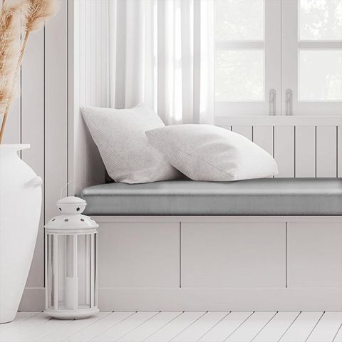 Belvoir Platinum Box Cushion