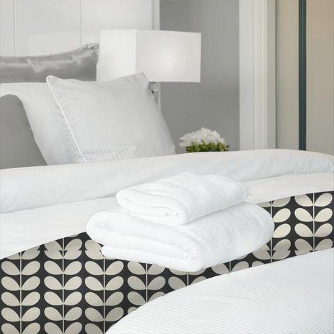 Giant Stem Cool Grey Bed Runner